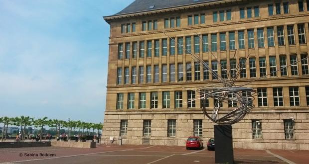 #Düsseldorf #Mannesmannufer #Skulptur #Große #Mannesmann
