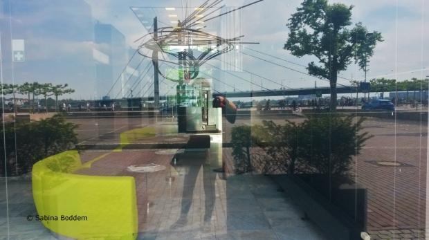 #Düsseldorf #Mannesmannhochhaus und #Skulptur #Große Mannesmann