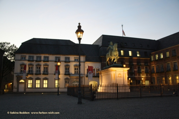 #Marktplatz #Rathaus #JanWellemDenkmal #Düsseldorf