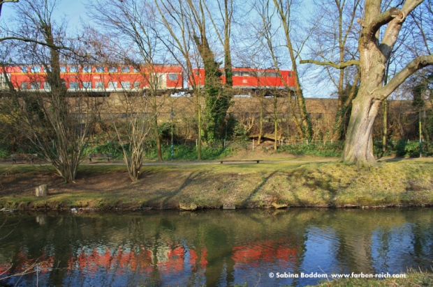 Stehende S-Bahn am Park