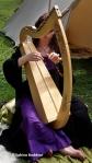 Harfespielerin